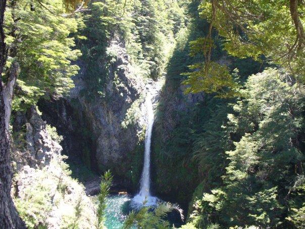 Cascada- Villa La Angostura- Neuquen - Argentina